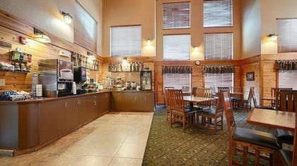Breakfast Area | Best Western Plus Kelly Inn & Suites