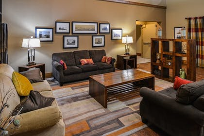 Lobby | Best Western Kelly Inn
