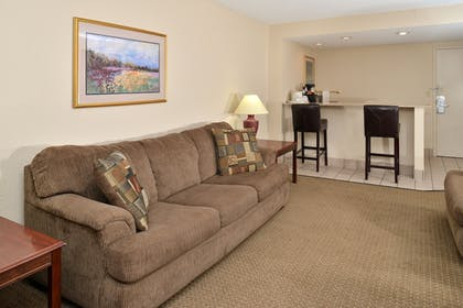 Living Area | Best Western Kelly Inn