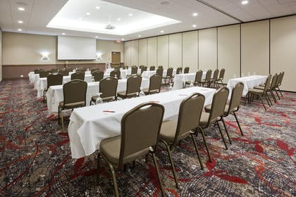 Meeting Facility | Holiday Inn Express & Suites Willmar