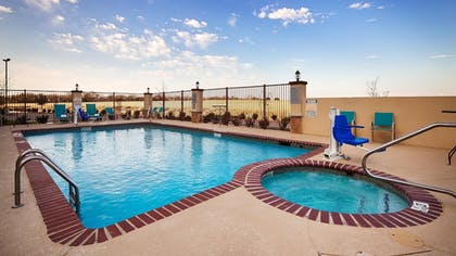 Outdoor Pool | Best Western Plus Fort Worth Forest Hill Inn & Suites