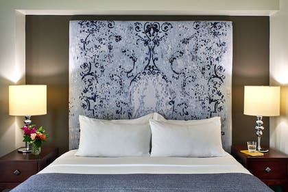 Guestroom | The Fontaine