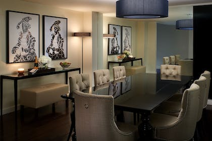 In-Room Dining | The Fontaine