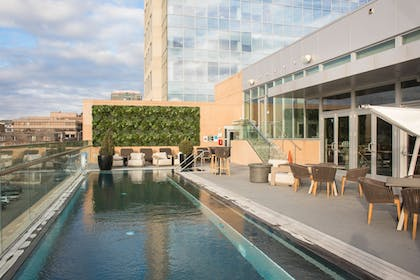 Outdoor Pool | The Fontaine