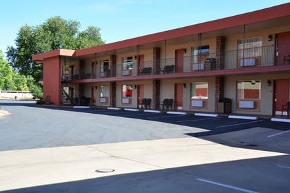 Parking | Best Western Red Hills