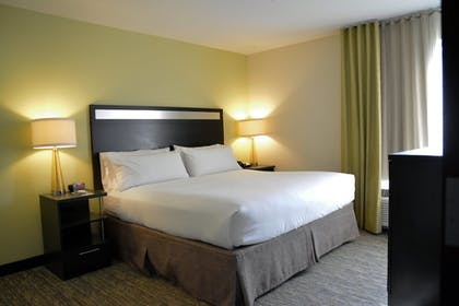 Guestroom | Candlewood Suites Youngstown W I-80 Niles Area