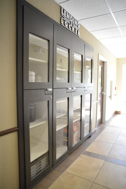Lockers | Candlewood Suites Youngstown W I-80 Niles Area