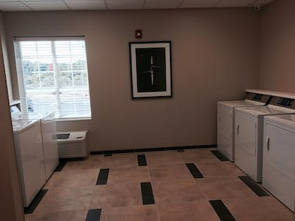 Laundry | Candlewood Suites Youngstown W I-80 Niles Area
