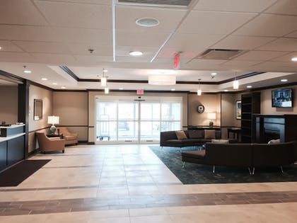 Interior | Candlewood Suites Youngstown W I-80 Niles Area