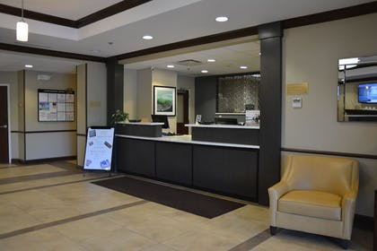 Lobby | Candlewood Suites Youngstown W I-80 Niles Area