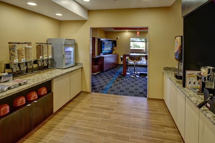 Restaurant | Towneplace Suites Oklahoma City Airport