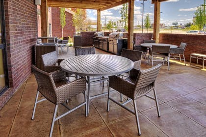 BBQ/Picnic Area | Towneplace Suites Oklahoma City Airport