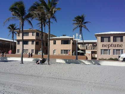 Hotel Front | Neptune Hollywood Beach Hotel