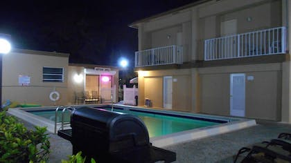 Property Grounds | Neptune Hollywood Beach Hotel