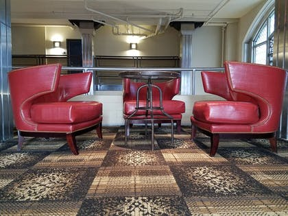 Executive Lounge | The Brewhouse Inn & Suites