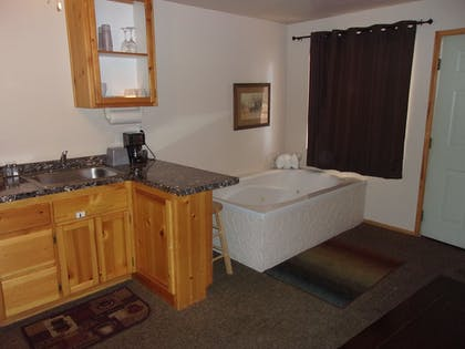 Jetted Tub   Honey Bear Lodge & Cabins