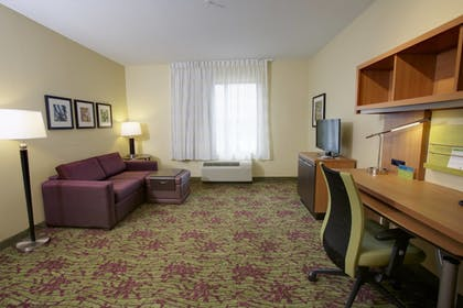 Guestroom | TownePlace Suites Jackson Ridgeland/Township at Colony Park