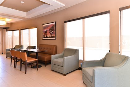 Restaurant | Holiday Inn Express Hotel & Suites Indio