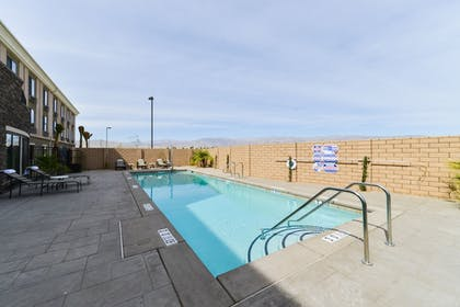 Pool | Holiday Inn Express Hotel & Suites Indio