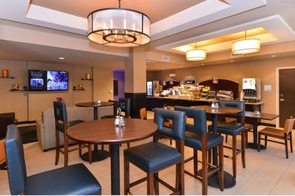Breakfast Area | Holiday Inn Express Hotel & Suites Indio