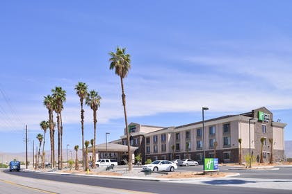 Hotel Front | Holiday Inn Express Hotel & Suites Indio