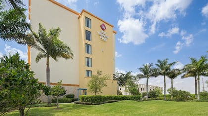 Hotel Front | Best Western Plus Miami Executive Airport Hotel & Suites