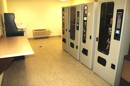 Vending Machine | Extended Stay Airport