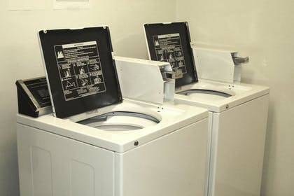 Laundry Room | Extended Stay Airport