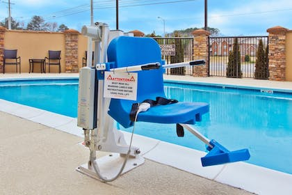 Outdoor Pool | Holiday Inn Express Hotel & Suites Huntsville West - Research Pk