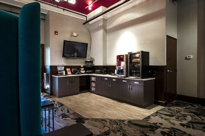 Lobby Lounge | The Parker Inn & Suites