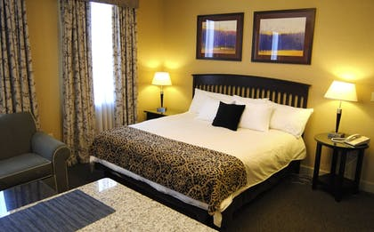 Guestroom | The Parker Inn & Suites