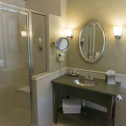 Bathroom | The Parker Inn & Suites