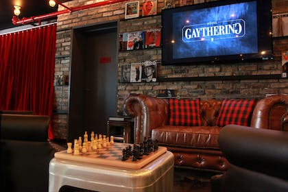 Game Room   Hôtel Gaythering - Gay Hotel - All Adults Welcome
