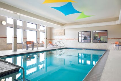 Pool | Holiday Inn Express Moline - Quad Cities Area