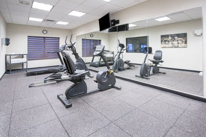 Fitness Facility | Holiday Inn Express Hotel & Suites Glendive