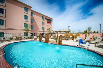 Outdoor Pool   TownePlace Suites El Paso Airport