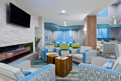 Lobby | Holiday Inn Express Hotel & Suites Warner Robins North West