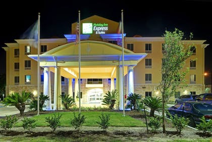 Hotel Entrance | Holiday Inn Express Hotel & Suites Houston NW-Brookhollow