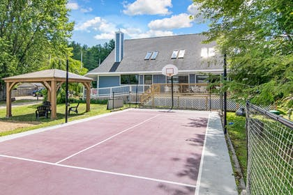Sport Court | Grey Fox Inn