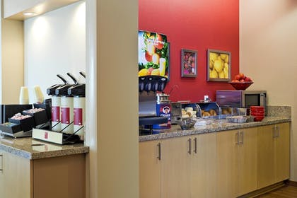 Breakfast Area | TownePlace Suites by Marriott Dodge City