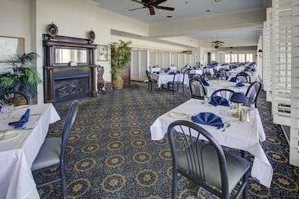 Dining | Dunes Manor Hotel and Dunes Suites