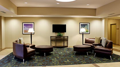 Lobby | Candlewood Suites Sioux City - Southern Hills