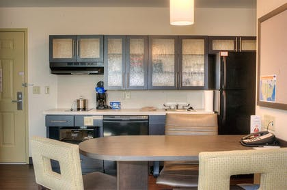 In-Room Kitchen | Candlewood Suites Sioux City - Southern Hills