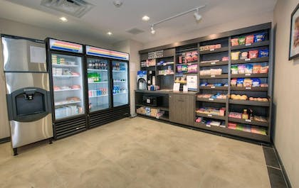 Snack Bar | Candlewood Suites Sioux City - Southern Hills