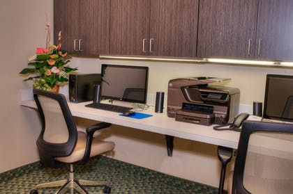 Business Center | Candlewood Suites Sioux City - Southern Hills
