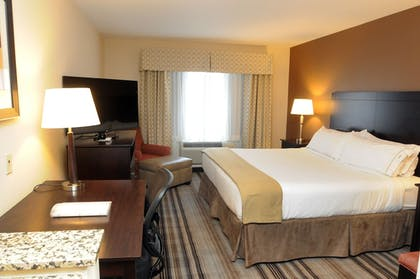 Guestroom   Holiday Inn Express Hotel & Suites Cambridge