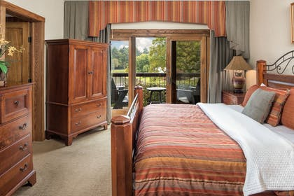 Guestroom | The Lodge at Chetola Resort