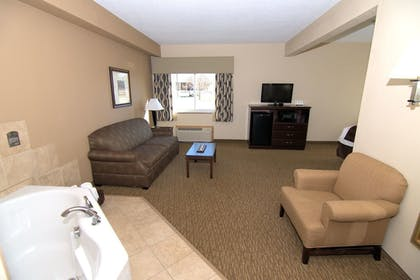 Living Area | Rock Island Inn & Suites