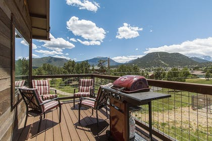Balcony | Coyote Mountain Lodge