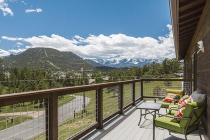 Mountain View | Coyote Mountain Lodge